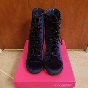 Size 5.5 Blue velvet booties